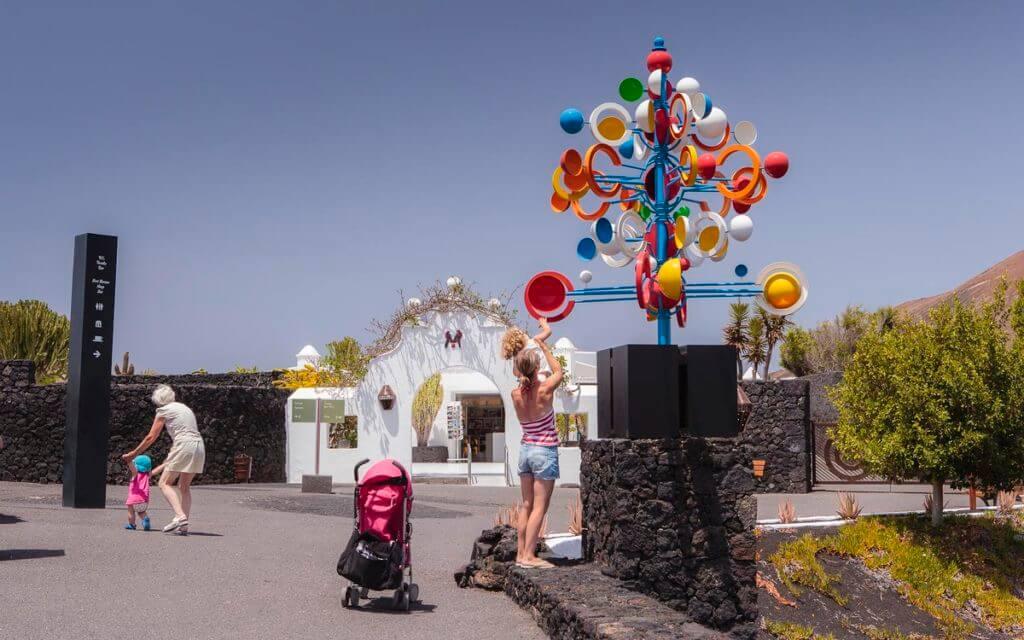 Juguete del viento. Jardines de la Fundación. Fotografía de Ramón Pérez Niz.