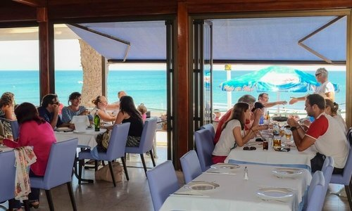 Restaurante La Marea, Playa Honda. Fotografía de Ramón Pérez Niz.