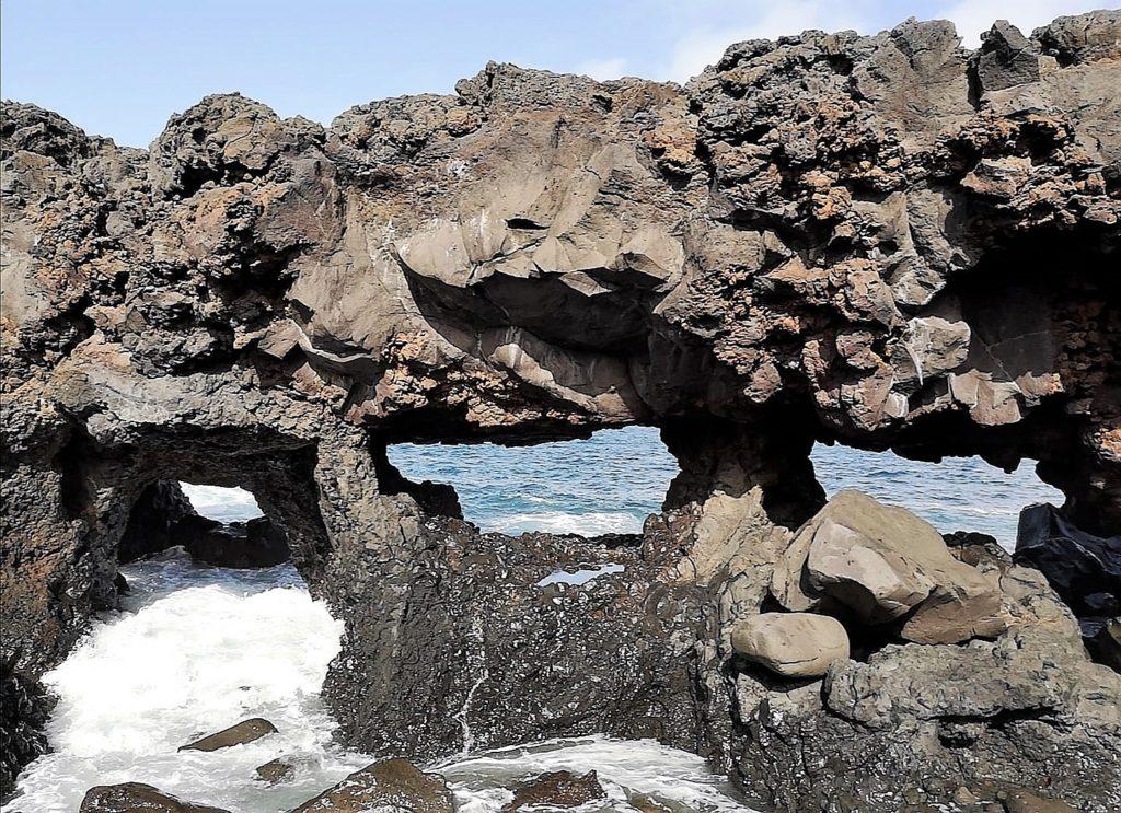 Arcos volcánicos. Sendero Janubio-El Golfo. Fotografía: Josechu Pérez Niz.